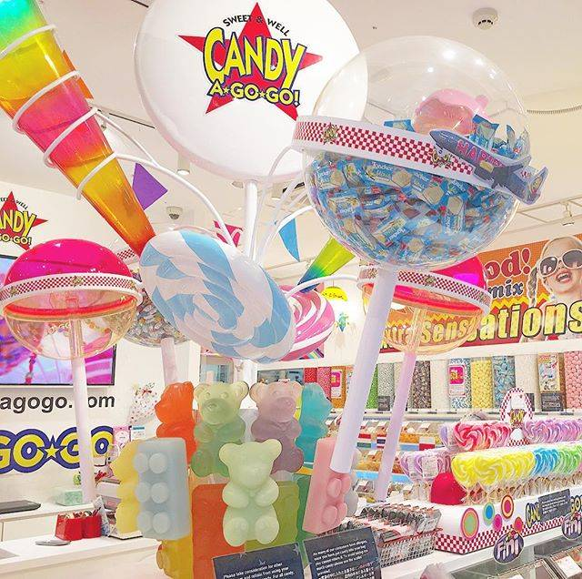 "CANDY A☆GO☆GO!原宿竹下通り店 on Instagram: ""CANDY A✩GO✩GO! くるくる回るキャンディオブジェ🍭 記念撮影にオススメです📸💖💖 #candyagogo #candy #gummy #chocolate #haribo #lollipop #kawaii #takeshitastreet #harajuku…"" (77884)"