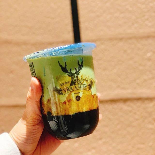 """miku hasegawa on Instagram: """"・  最近はもうこの黒糖抹茶ラテが好きすぎて‼︎  甘そうと思っていつも定番のにしてたけど、1回飲んでみたらもうこればっかり。 黒糖タピオカが美味しすぎるし、抹茶の苦味がほどよくいい感じにしてくれる🤤✧︎  THE ALLEYの店舗がたくさんできて幸せ💕 …"""" (78410)"""