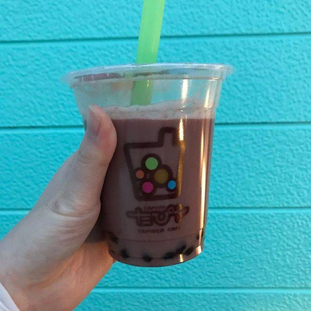 """さんっこ on Instagram: """". <たぴヤ> #チョコミルク S 320円  初めてタピオカ屋さんでチョコ系を頼んでみた🍫  まず値段がやっすい!笑 今回頼んだのはSサイズだったけど Mサイズでも400円しなかった!  ドリンクは甘め、チョコ感強めで美味しい。(ミルクベースドリンクの甘さ調節不可でした)…"""" (78424)"""