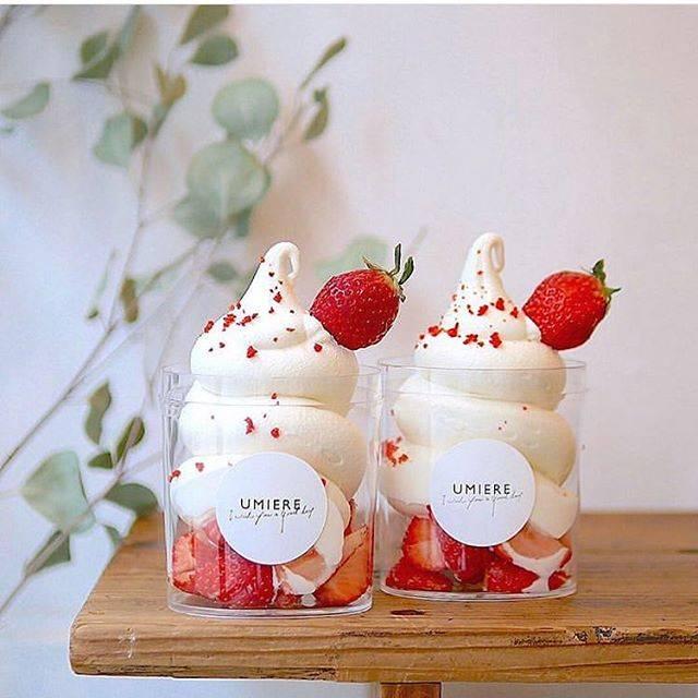 """【From.】-TOKYO- on Instagram: """"#ウミエール いちご好きにはたまらない♪🍓 札幌発のソフトクリーム×旬のいちごをふんだんに使った、 ゴロゴロカップ ストロベリー(税込み¥750)  タピオカも有名なカフェなので、浅草を訪れる際にはぜひチェックしてみてはいかがでしょうか?✨ - photo by…"""" (78926)"""