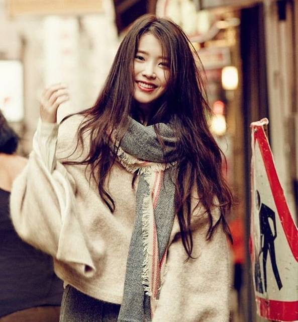 "IU Love on Instagram: ""#iu #이지은 #아이유 #이지금 ♡♡"" (78964)"