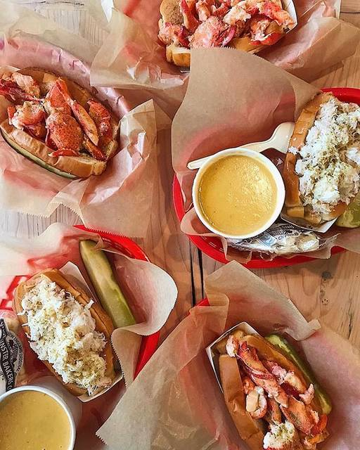 "@lukeslobster_jp on Instagram: "". #lobsterroll  or  #crabroll 🦞🦀🦞🦀🦞🦀 . repost from @joshuajhager #lukeslobster #lukeslobster_jp  #lukeslobster_tw #baycrews #lobster #crab…"" (79325)"