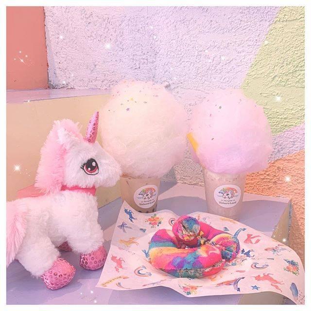 """あやカフェラン♥️ on Instagram: """"@unicorn_land_harajuku にまた行ってきたよー💕💕🎀 . . 今度はレインボーのベーグルも食べてきたー💕💕 . オレオクリーム入ってて、オレオ好きにはたまらなかったよー💕💕 . . #ユニコーンランド#ユニコーンランド原宿 #ユニコーン#ユニコーンメイデン…"""" (80388)"""