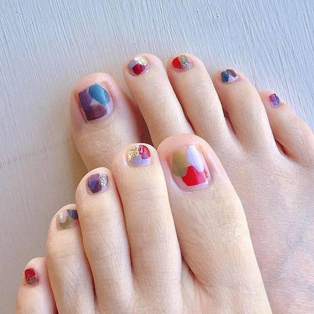 "m ℹ︎ t suko✴︎1❾⑦6 on Instagram: ""morning▫︎9月な感じに#pedicure#nail#footnail#foot#fashion#instafashion#instahappy#instagood#happy#love#10色ネイル#ペディキュア#フットネイル#ネイル#👣#💅#ちょんちょんネイル"" (80885)"