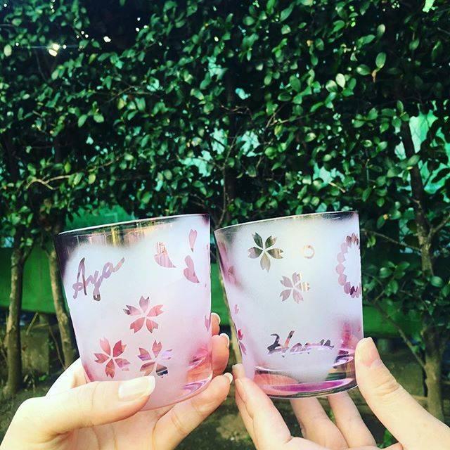 "Aya Otani on Instagram: ""ガラスアートの体験行ってきたー★ ••••••••#ガラスアート #初体験 #また行きたい #ピンクのグラス #まだ使ってない #glass #glassart #springtheme #feelingartsy #proudofmywork"" (82082)"