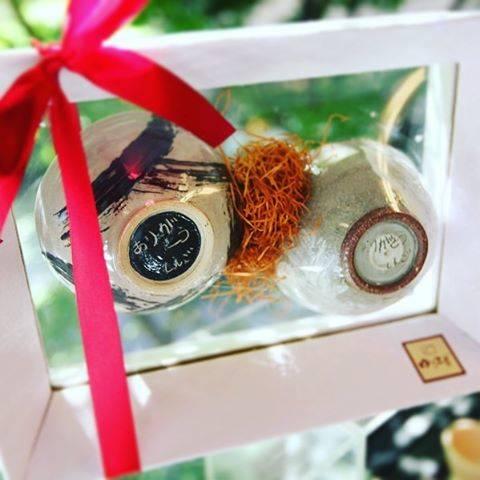"""手作りブライダルプレゼントゆう工房 on Instagram: """"結婚式にご両親へ手作りプレゼント☆  作品に感謝のメッセージを刻み、気持ちを込めた特別なプレゼントが完成します。  作品はゆう工房特製ラッピングでお渡しします。 透明なので、まるで宙に浮いてるよう☆うつわに刻んだメッセージもその場で伝わります。…"""" (82582)"""