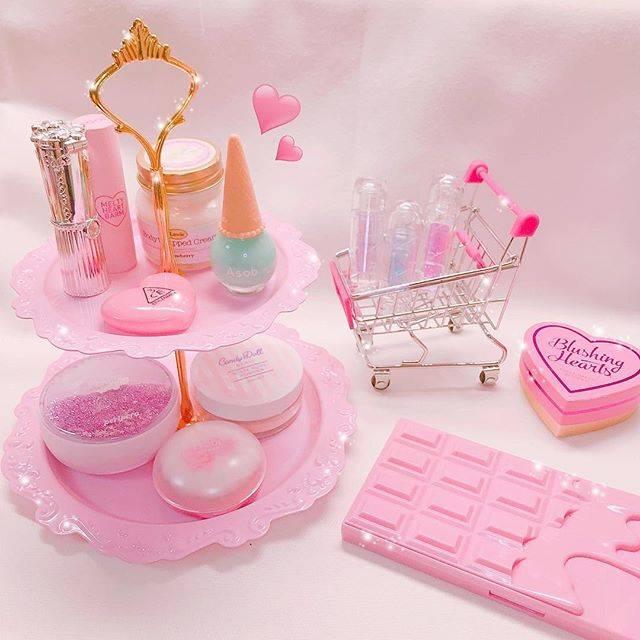 """萌音 on Instagram: """"この前新しく買ったコスメ収納ケース☺︎︎♡ ゆっくり原宿で可愛いお買い物ができて楽しかったです🐰💓 お気に入り、、( °_° )♡ #コスメ#コスメ収納ケース#コスメ収納術#WEGO135#物撮り#pink"""" (85481)"""