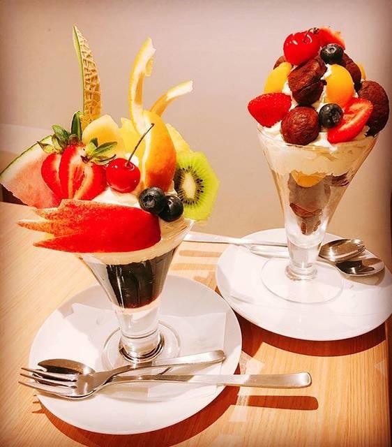 """@alohahiro on Instagram: """"*マロンパフェのマロンの多さに驚いた!*#果実園リーベル #マロンパフェ#フルーツコーヒーゼリー#パフェ#スイーツ#sweets"""" (85957)"""
