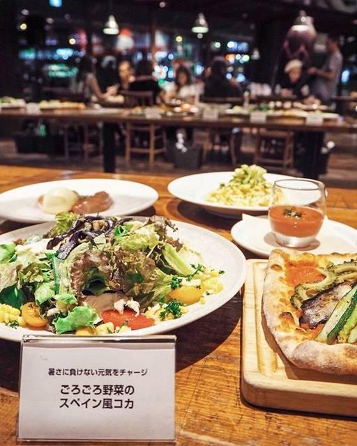 """@aiseri on Instagram: """"🍆🍅🥕🍠🌽 青山に期間限定でオープンするJA主催の農カフェにお邪魔したよ🌱 大好きな野菜に囲まれて幸せだった😭♥️ ロイヤルガーデンカフェでは、農家の人が愛情を注いだ国産の野菜をたっぷり堪能出来るよ🌸 8/29-9/3の期間しかやっていないから、…"""" (86357)"""