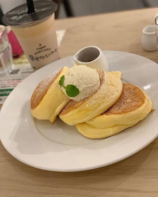 """kiki0518 on Instagram: """"・・幸せのパンケーキ・・#心斎橋#幸せのパンケーキ#ふわふわ#行列#美味しかった"""" (86947)"""