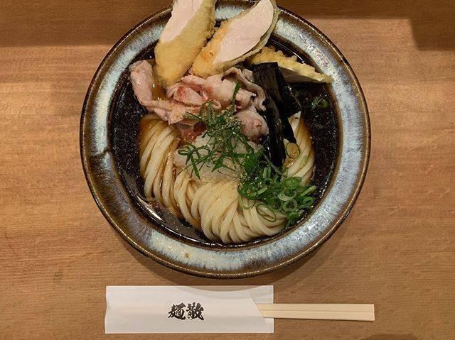 "tsugumi on Instagram: ""梅豚おろしささみ天をプラスして最高💜#shibuya#渋谷#表参道#神宮前#うどん#麺散"" (87025)"