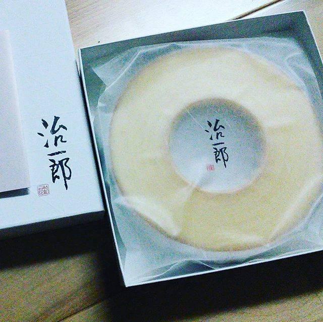 "kotora125 on Instagram: ""バームクーヘンは治一郎( *゚A゚)✨#バームク ーヘン #スイーツ #治一郎 #治一郎のバームクーヘン #静岡グルメ #静岡スイーツ #sweets #bermkuchen"" (87643)"