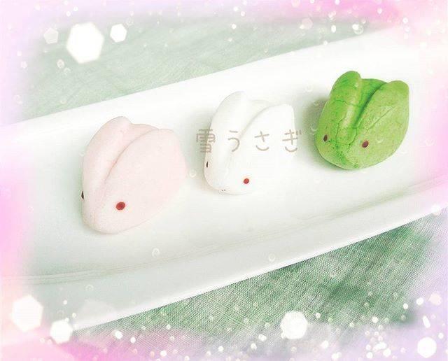 """🌟Shima🌟 on Instagram: """"🐰 おやつ 🐰 . 今日のおやつゎ . 和菓子のHAKATA雪うさぎ 🍡 . あまおう🍓の甘ずっぱい味と . 練乳白あん入りピンク . たっぷりの白あんを包んだホワイト . 抹茶の香りがフワッのグリーン . 3種類の味を楽しめた~ぁ💕 . マシュマロが柔らかくて .…"""" (87697)"""