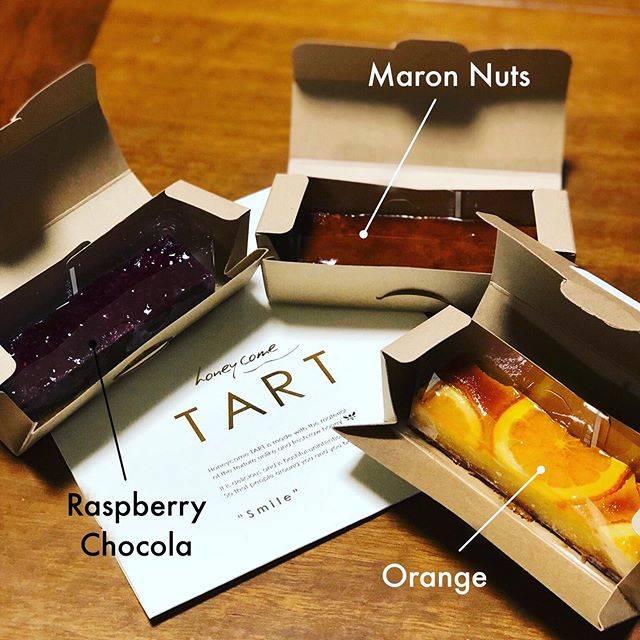 """Michi on Instagram: """"honey come tart — ハニカムタルト。 . いろんな種類があって、選ぶのが楽しい💕 , 中でも、ラズベリーショコラが私のNo.1でした! . Got some cute tarts from Osaka. . Every flavor tasted…"""" (88105)"""