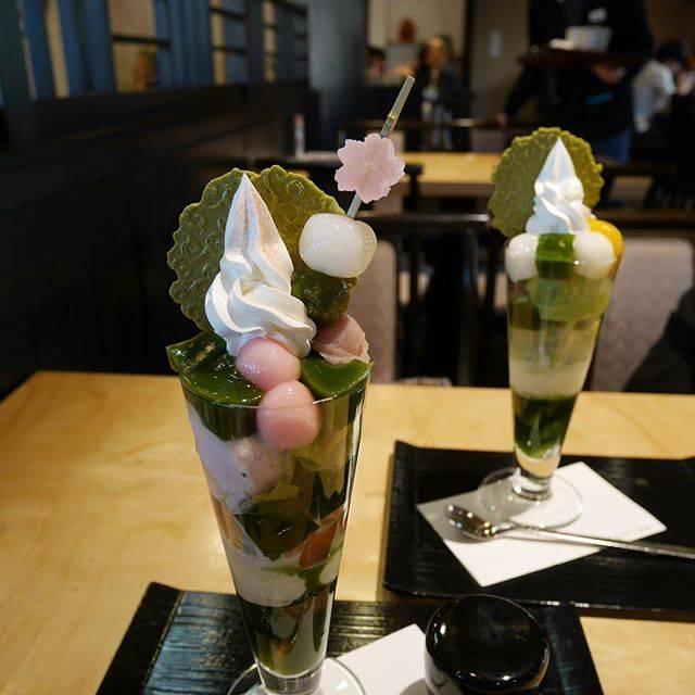 """あつの on Instagram: """"2016/3/21(月) 🌸✨🌸✨🌸✨🌸✨🌸✨🌸 先日行った、宇治の伊藤久右衛門の 季節限定の可愛い桜パフェだよ 桜味のアイスが入ってたよ でもね、ここだけの話 桜味って別に好きじゃないw 季節の旬のものをものを食べるとか 可愛さとか そんな感覚で食べてるだけ。…"""" (89186)"""