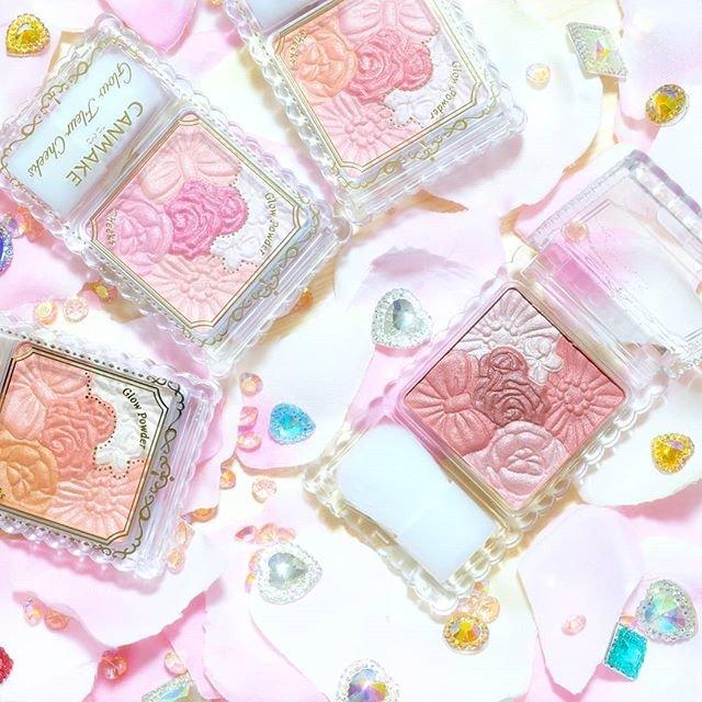 """CANMAKE TOKYO(キャンメイク) on Instagram: """"リニューアルしてパール感・ツヤ感UP!さらにしっとり密着、鮮やか発色でキュートなツヤほっぺを叶える「グロウフルールチークス」 パウダーなのに粉っぽくならず、しっとりフィットして血色感と透明感のあるツヤ肌に♪美容保湿成分配合でエアコンなどの乾燥対策もバッチリ!…"""" (90401)"""