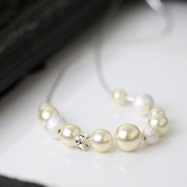 """MAYGLOBE Veil on Instagram: """"ㅣ pearl necklace . パールとメタルパーツがシンプルで長く使えるネックレス。 . . アジャスターがスライドなので、どんな首元にも合わせれます。 小ぶりなので、オフィスでも女性らしさをプラスしたいときにも♡ . . . #mayglobe…"""" (91066)"""