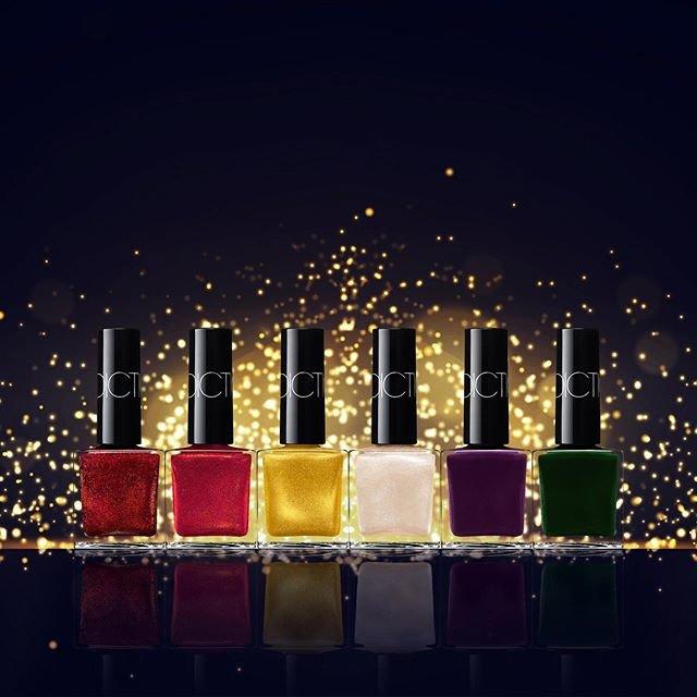 """ADDICTION  アディクション on Instagram: """". HOLIDAY 2019 THE NAIL POLISH """"PARTY TOUCH""""  パーティシーンに映える限定カラーのネイルポリッシュ。 なめらかな塗り心地とつややかな光沢が美しく、まるでBijouxのように指先が煌めく。  Limited color nail…"""" (93481)"""