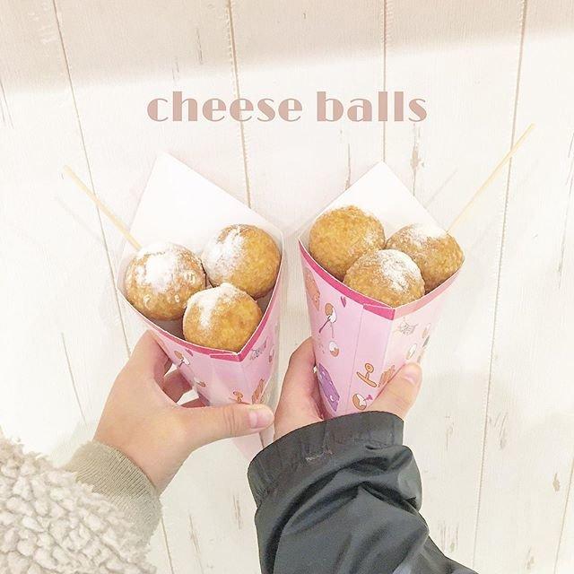 "˗ˏˋ 𝐧𝐚𝐜𝐜𝐡𝐢 ˎˊ˗ on Instagram: ""¦𝐜𝐚𝐟𝐞  ⌇#オッパチーズボール 🧀⌇  ずっと食べたかったチーズボールをゆうりと食べてきた〜🥰  伸ばし方下手くそすぎて伸びはしなかったけど、 めちゃめちゃ美味しかった!ハニーバターが1番っ!✨ 幸せでした〜☺️    #新大久保カフェ…"" (95380)"