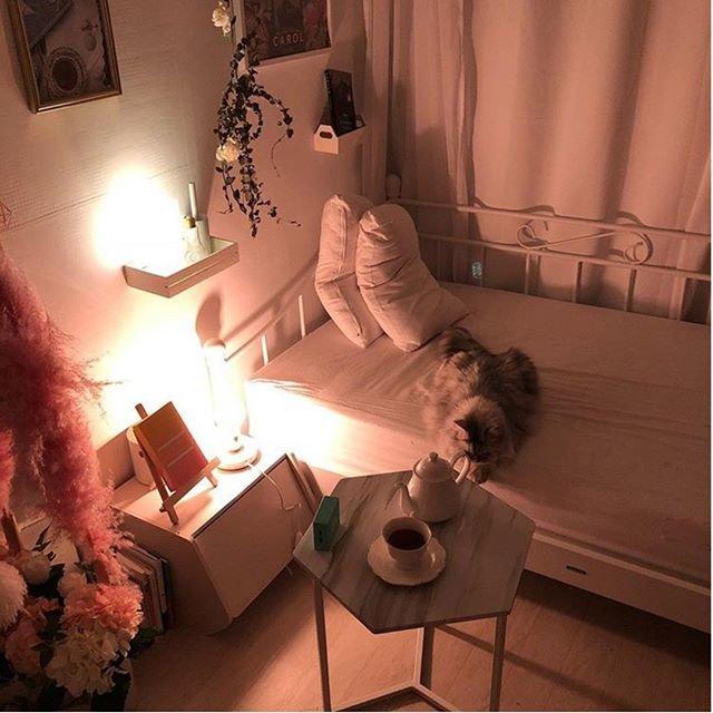 "Roomnhome on Instagram: ""【国内発送】ノルディックヘキサゴンテーブル★3色★流行りのDIY  北ヨーロッパスタイルのモダンなデザインです。 ベッドのサイドテーブルとしてピッタリ。 マーブル/ホワイトカラーは今国内配送でお届けいたします。  #北ヨーロッパ #インテリア #テーブル #サイドテーブル…"" (96632)"