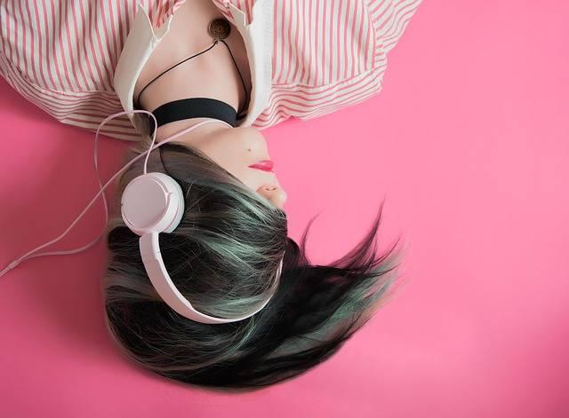 Girl Music Fashion - Free photo on Pixabay (84342)