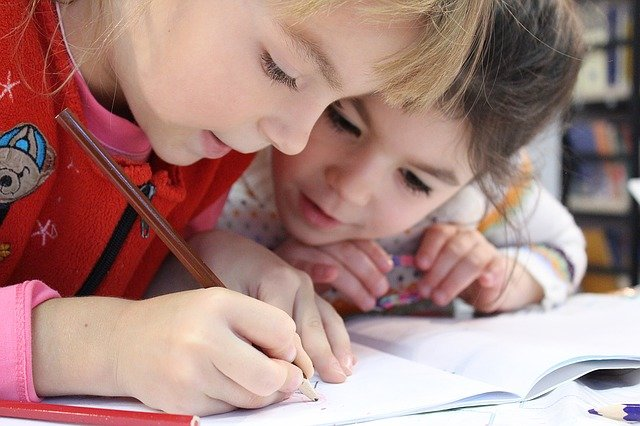Kids Girl Pencil - Free photo on Pixabay (91433)