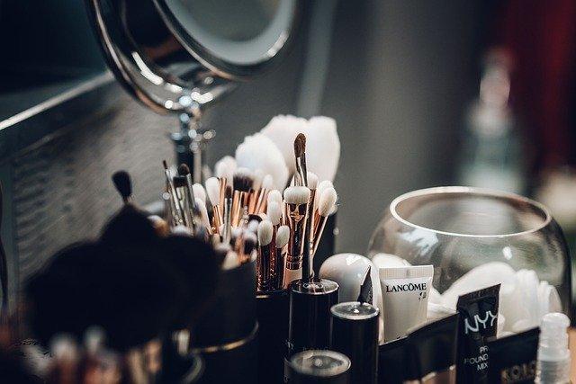 Glass Makeup Cosmetics - Free photo on Pixabay (92604)