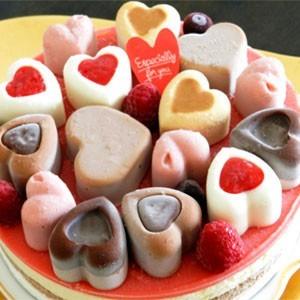 ハートのアイスケーキは可愛らしく、仲の良いお友達と...