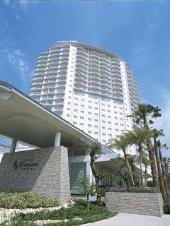 ホテルエミオン東京ベイ、椰子の木とゆとりある客室と天然...