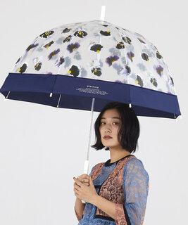 こちらもドーム型の傘。まあるい形が可愛いよね。...