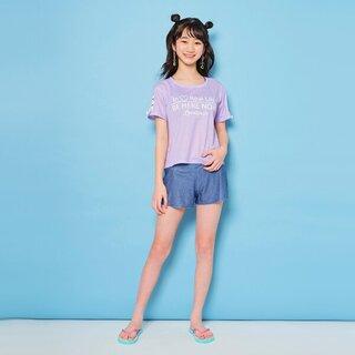 水着にTシャツが付いた3点セット。Tシャツの色はパ...
