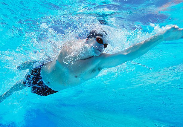 Underwater shot of professi...