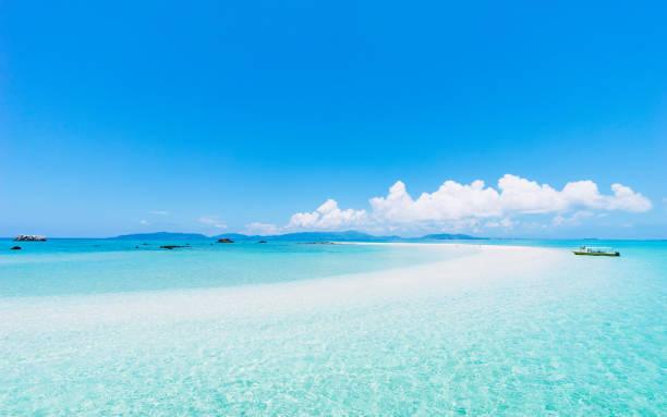 八重山諸島の地図に載らない秘密の島で、絶景&とびきり時間を満喫