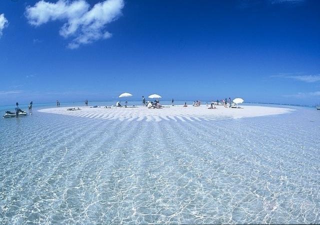 与論島の百合ヶ浜のサンドバー