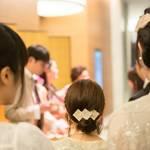 結婚式が続いたら… ドレスを買わずにバレッタで髪型チェンジ&おめかししよう!