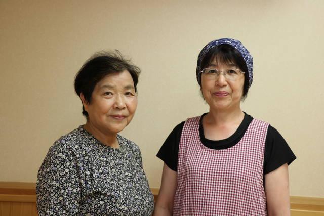 郡山地区女性部谷田川支部 左から渡辺恭子さん、熊田富美子さん