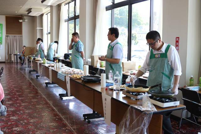 食材を提供するメーカー14社が青森県や新潟県、福岡県など県内外から集まりました
