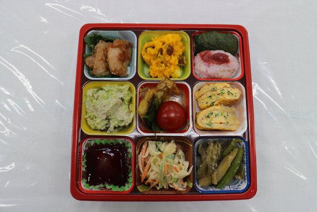 「五色食べて達者が一番」部門最優秀賞 渡辺支部「NY(夏野菜)弁当」