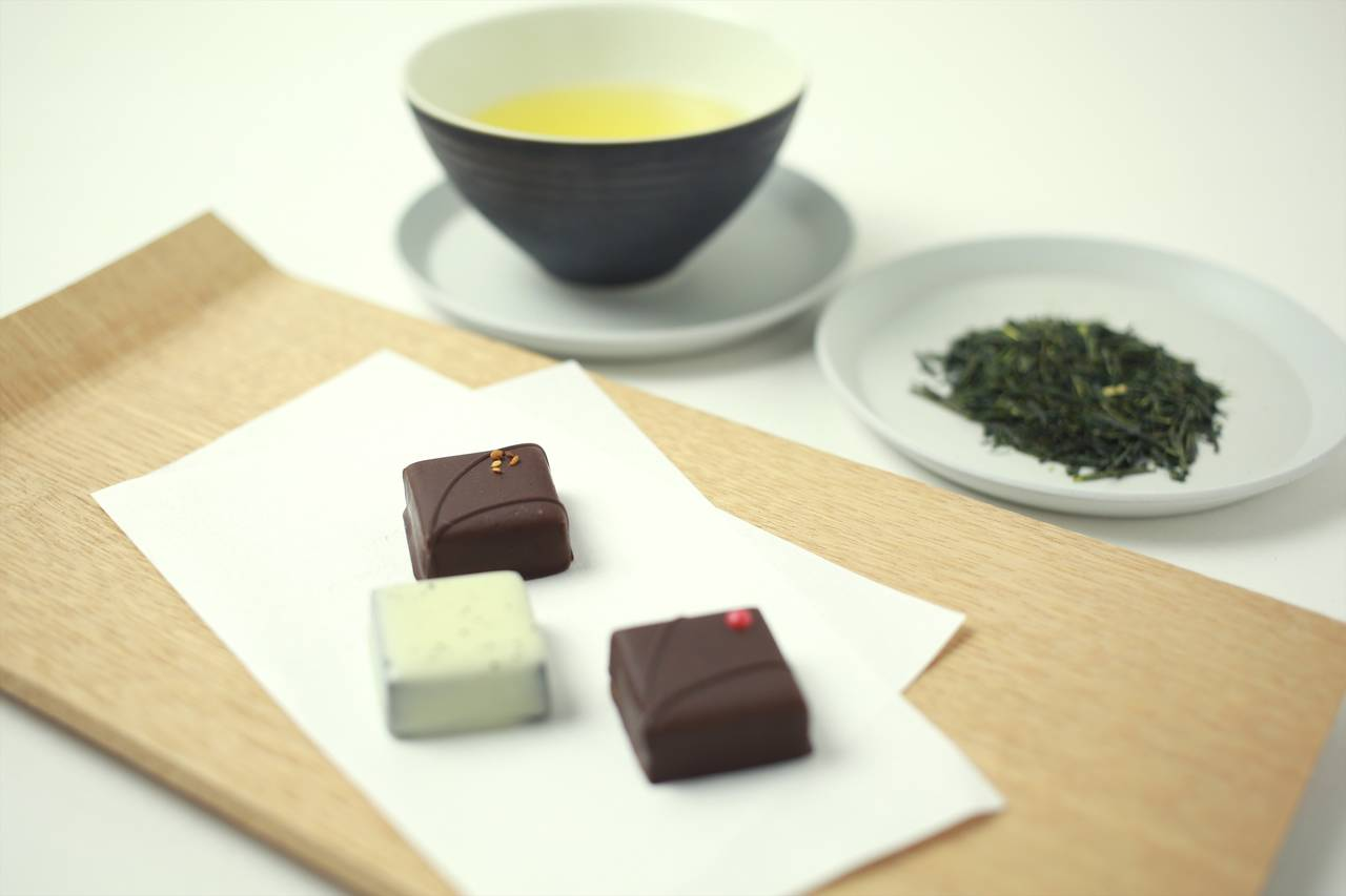 敬老の日の贈り物に。八芳園オリジナルチョコレート「kiki-季季-」×京都の老舗茶舗「福寿園」のコラボレーションギフトが登場