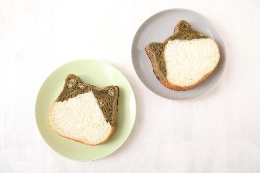 ねこの形の高級食パン専門店「ねこねこ食パン」より、期間限定フレーバー「ねこねこ食パン ほうじ茶」が発売!