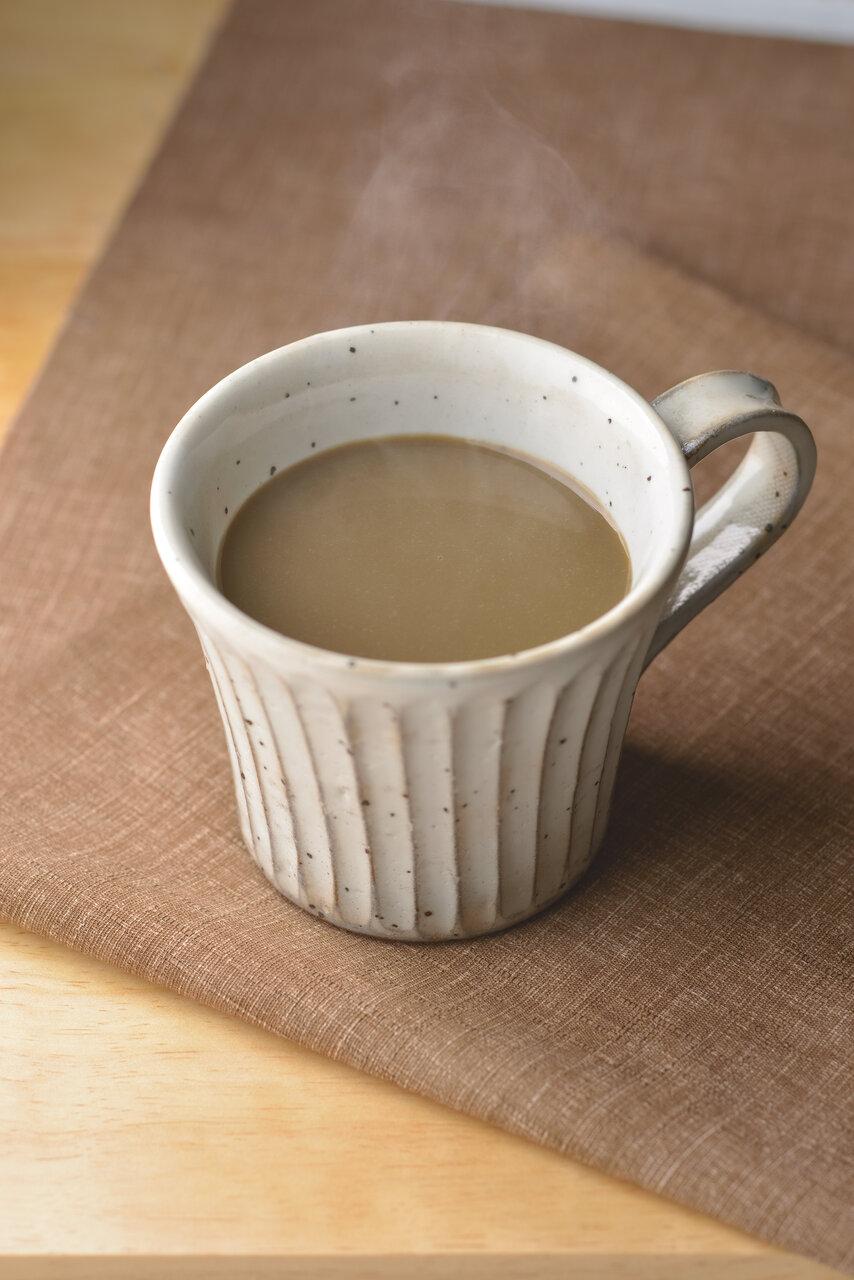 おうちでホッと一息。お湯・牛乳一切不要 レンジで簡単ほうじ茶ラテのご案内