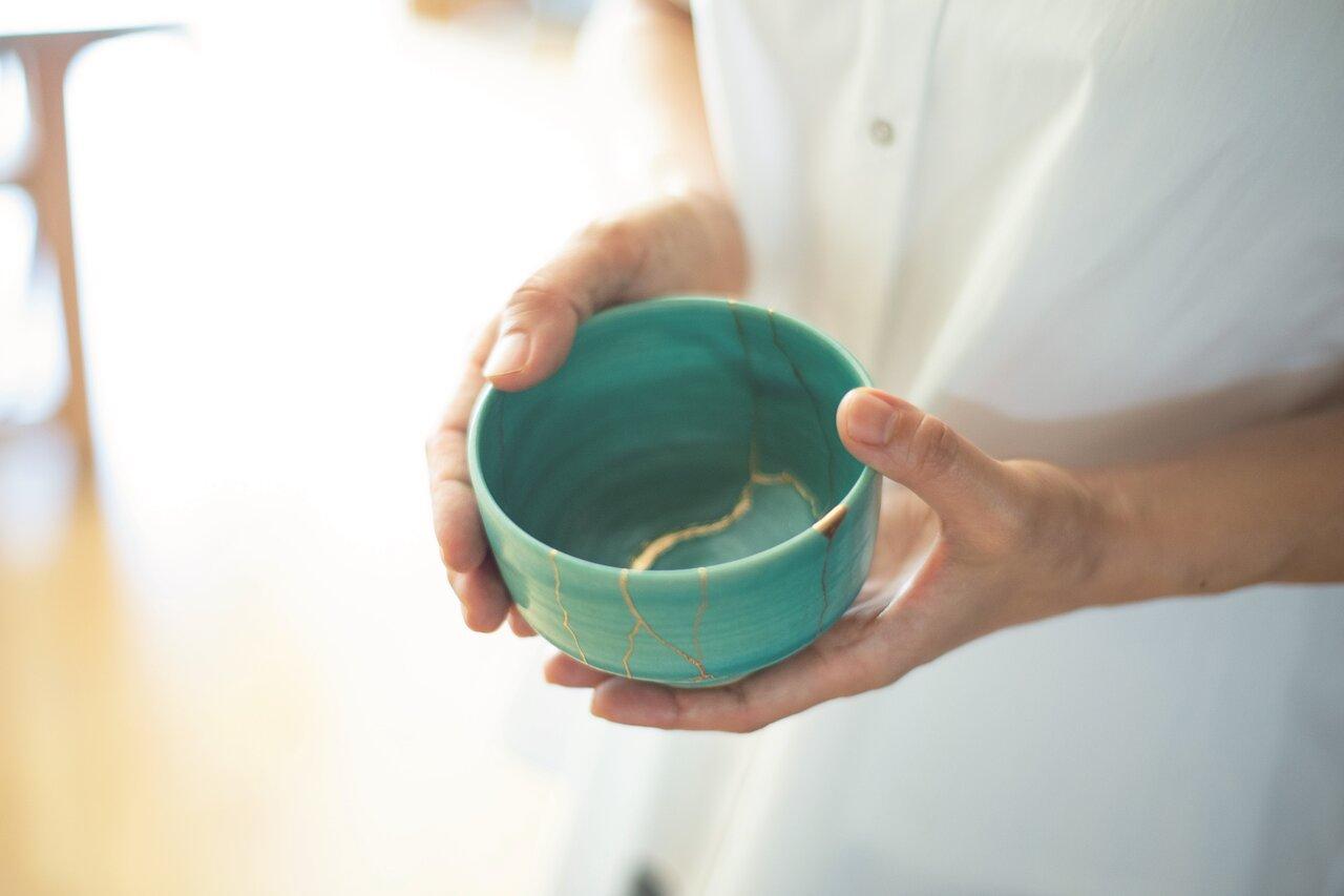 茶の湯文化から生まれた伝統技法「金継ぎ」がブーム!自宅ですぐできる!付録キット付き本発売