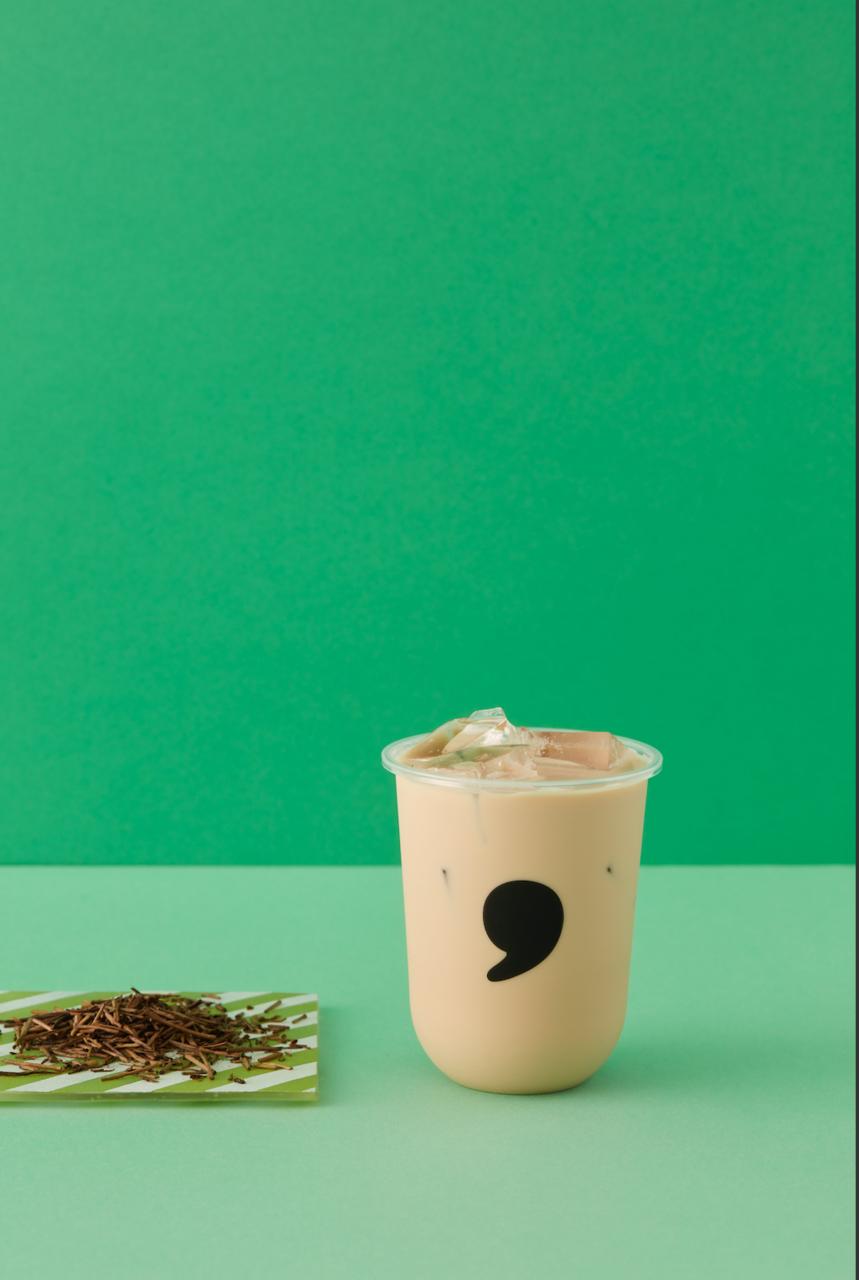 【新商品】お客様アンケートでご要望の多かったほうじ茶が香ばしくしっかりした味わいの棒ほうじ茶ミルクティーとして9月1日より登場!新宿サブナード店では人気の中国コスメとのコラボを実施。