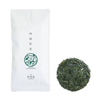 新茶の収穫期に十分な養分が溜まり、じっくり充実した茶葉...