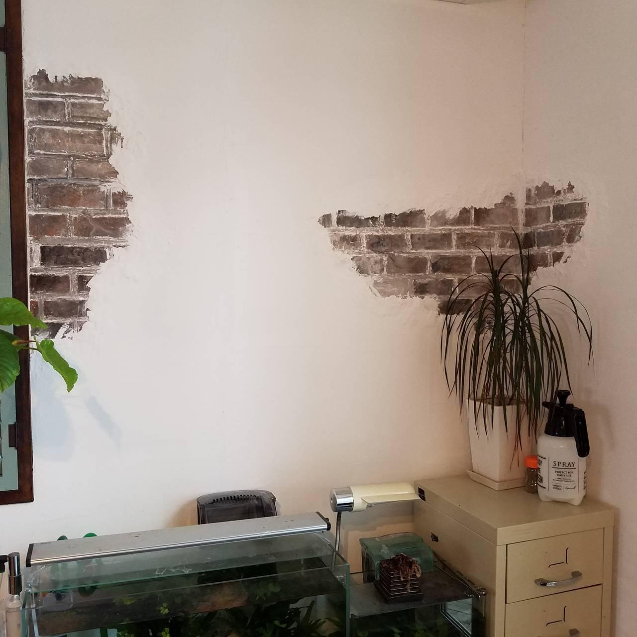 ずぼらな私にもできる!適当が味になるモルタル造形風漆喰壁の作り方と製作過程をご紹介!【連載#つくるジェニック】