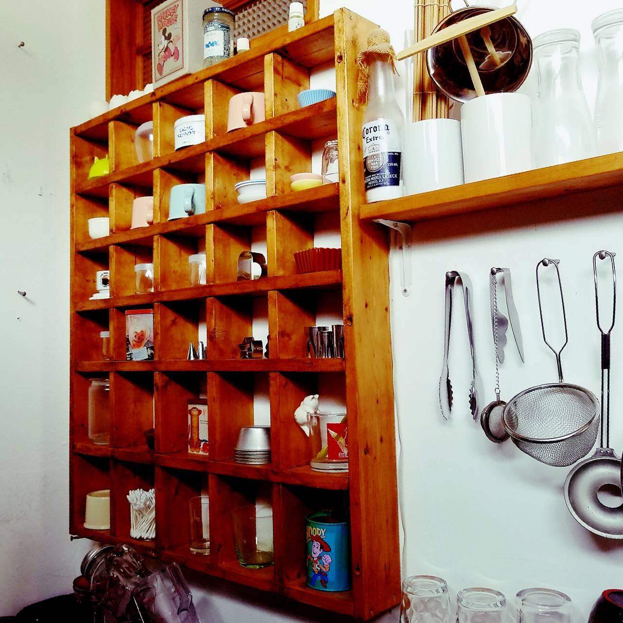 SPF1×4材だけでDIY!雑貨も飾れる25マスの格子棚!【連載#つくるジェニック】