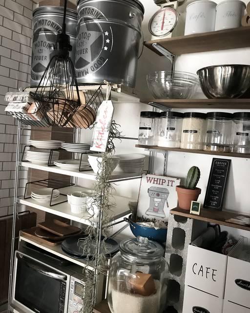 食器もよく使うものは見せる収納