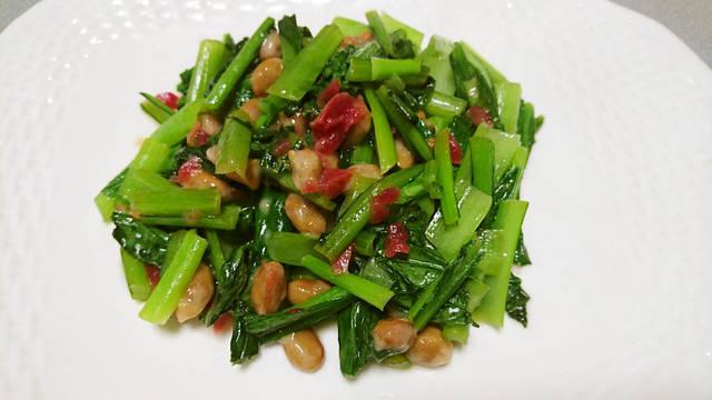 小松菜の梅納豆炒め