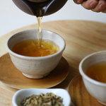 PINÉDEより、豊かな香りと上品な味わいの献上加賀棒茶を使用した「加賀棒茶ゼリー」を4月27日(月)より季節限定で販売開始!