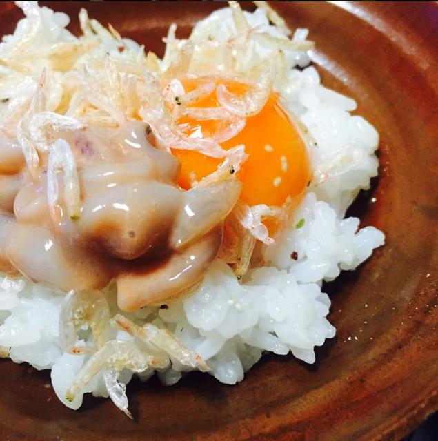 干しあみえびと塩辛の大人の卵かけご飯